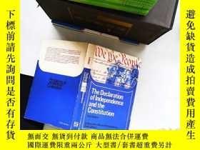 二手書博民逛書店The罕見Declaration of independence and the Constitution Thi