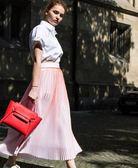 ■專櫃73折■Celine 壓紋珠地小牛皮精巧型Micro Belt 2用包 紅色