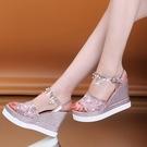 楔形鞋 2021年夏季新款一字扣超高跟ins網紅潮坡跟亮鉆珍珠鬆糕涼鞋女鞋 韓國時尚 618