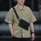 男士斜背包 手機斜挎包男胸包黑色單肩包挎包斜跨潮牌背包【快速出貨】