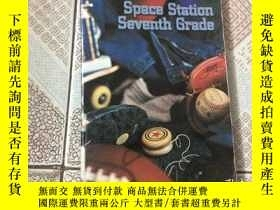 二手書博民逛書店Space罕見Station Seventh GradeY159