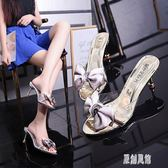 半拖鞋女春季新款歐美時尚水鉆細跟甜美蝴蝶結露趾高跟涼拖鞋 DR16514【原創風館】