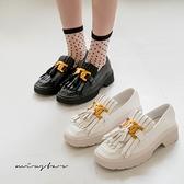 MIUSTAR 金屬裝飾流蘇厚底樂福鞋(共2色,35-39)【NJ1681】預購