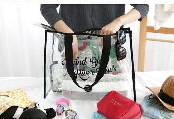 【現貨】梨卡 - 夏日大容量PVC防水透明沙灘包乾濕分離比基尼泳衣海邊小物收納包收納袋包包CLA105