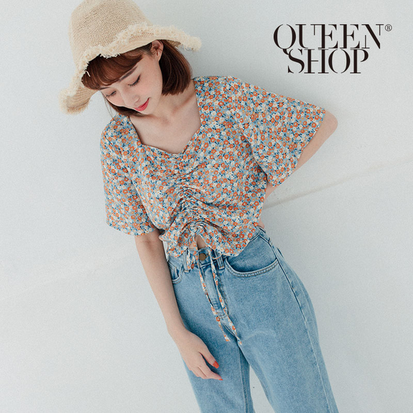 Queen Shop【01096692】方領小花抽繩短版上衣 兩色售*現+預*