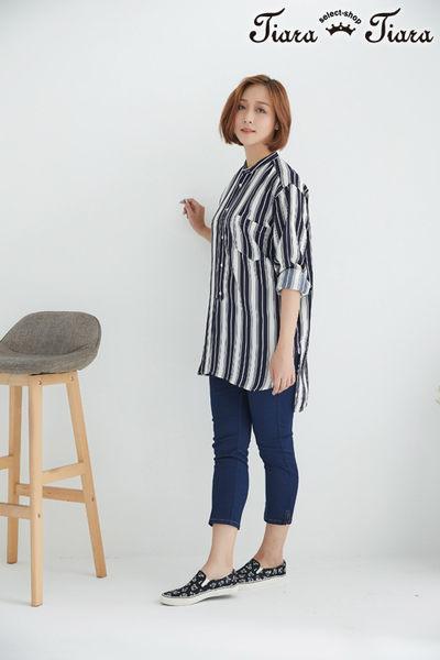 【Tiara Tiara】網路獨家 直紋長短板袖釦長袖襯衫(藍/紅)