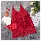 Catworld 春色綻放。深V蕾絲透膚緞面睡衣兩件組【18809505】‧F