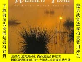 二手書博民逛書店Thoughts罕見From Walden Pond By Henry David Thoreau-亨利·大衛·梭