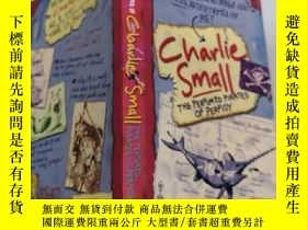 二手書博民逛書店charlie罕見small the perfumed pirates of perfidy 查理·斯莫爾香水海