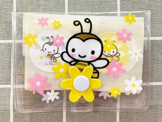 【震撼精品百貨】Sweetcoron Sanrio 小蜜蜂~三麗鷗小蜜蜂OK蹦收納包附卡片收納夾-透明#00977