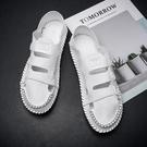 夏季男鞋2021新款鞋子男休閒百搭男士軟皮面涼鞋鏤空洞洞薄底潮鞋 依凡卡時尚