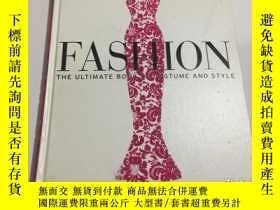 二手書博民逛書店Fashion:罕見The Ultimate Book of C