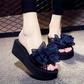 夏季涼拖鞋女外穿高跟一字拖蝴蝶結防滑坡跟厚底海邊度假沙灘鞋color shop