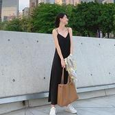 法式復古設計感吊帶雪紡洋裝女長款夏季泫雅內搭打底小黑裙-Milano米蘭