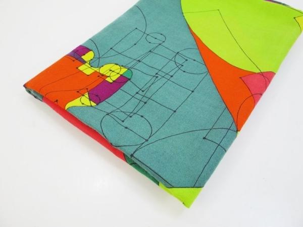 【巴黎站二手名牌專賣店】*現貨*HERMES 愛馬仕 真品*紫X綠配色幾何圖騰絲巾圍巾