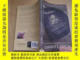 二手書博民逛書店PASSPORT罕見THROUGH DARKNESS 護照在黑暗