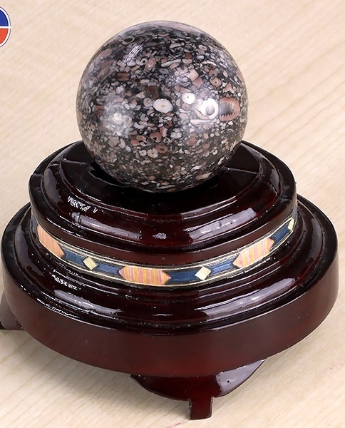 [協貿國際]天然古化石圓球保健球手球單顆價(不含底座)