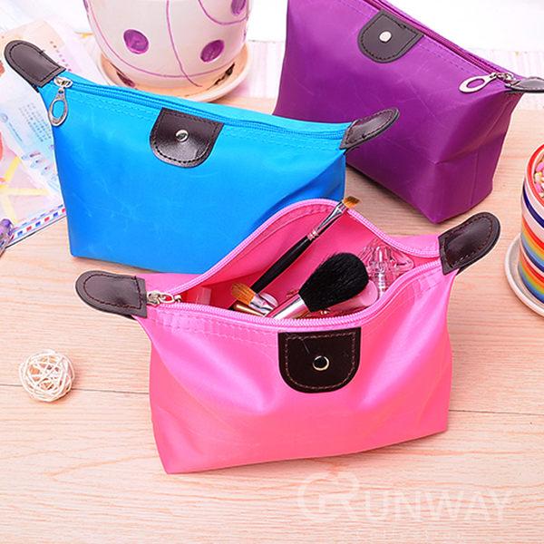 糖果色大容量化妝包 水餃包 手拿包 萬用包整理袋 收納包 零錢包 盥洗包 防水材質 簡約時尚