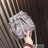 上新小包包女潮韓國百搭斜背包簡約鍊條單肩流蘇包水桶包 可可鞋櫃