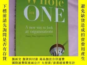 二手書博民逛書店Whole罕見in one (a new way to look