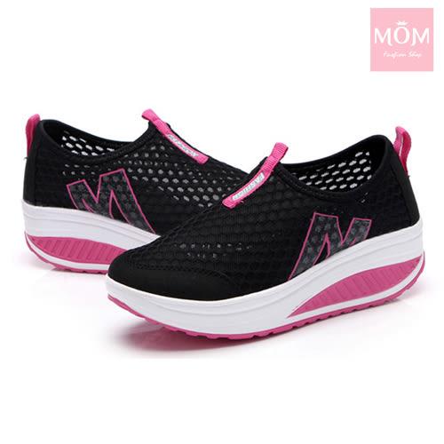 百搭時尚透氣網面M字造型美腿搖搖休閒鞋 運動鞋 黑 *MOM*