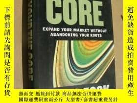 二手書博民逛書店Beyond罕見The Core:Expand Your Market Without Abandoning Yo