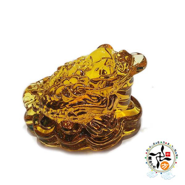 招財蟾蜍 金黃琉璃擺飾 +平安加持小佛卡 【 十方佛教文物】