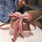斜背包毛毛小包包女潮百搭斜背包毛絨時尚手提包水桶包 居樂坊生活館