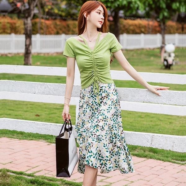 草綠色美胸抓皺飄逸開岔裙兩件套(綠上衣+印花及膝裙)約會洋裝[99195-QF]美之札