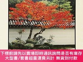 二手書博民逛書店The罕見Lure of the Japanese GardenY360448 Alison Main WW