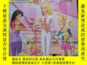 二手書博民逛書店Too罕見Many Puppies! (Barbie: Life in the Dream House)Y14