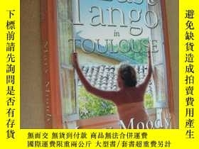 二手書博民逛書店Last罕見Tango in Toulouse (torn between two loves) 英文原版 16開