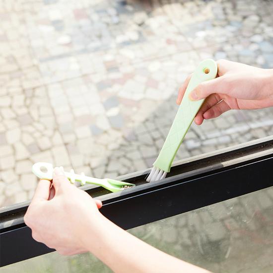 日式魚形縫隙刷 掃窗槽 清潔刷 畚箕 凹槽 廚房 門窗 槽溝 大掃除 打掃【N320】米菈生活館
