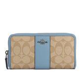 【COACH】PVC LOGOㄇ拉長夾(粉藍色)F54630 SVCA0
