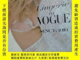 二手書博民逛書店lingerie罕見in vogue SINCE 1910Y23