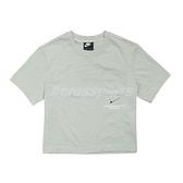 Nike 短袖T恤 NSW T-Shirt 綠 銀 女款 立體凸紋 短版設計 運動休閒 【ACS】 CZ8912-006