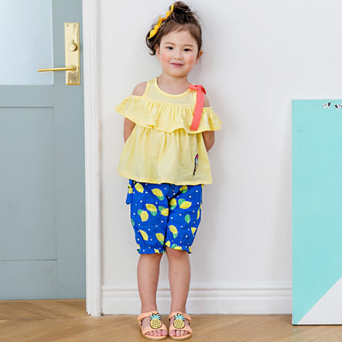 短褲 韓國 Bebezoo 寶藍底滿版黃檸檬短褲 / 褲子 BE17-PT205