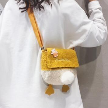 單肩包 可愛小包包2021新款潮日系少女斜挎包春羊羔毛搞怪萌單肩包【快速出貨八折鉅惠】