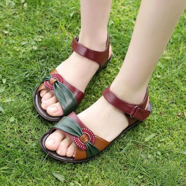 媽媽涼鞋女夏中老年平底大碼中年皮涼鞋平跟防滑老人女鞋新款
