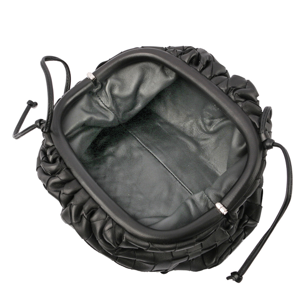 【BOTTEGA VENETA】小羊皮MINI POUCH編織雲朵包(黑色) 585852 VCPP1 8803