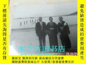 二手書博民逛書店日本原版老照片罕見道具 六七八十 老黑白相片 老年人和服溫馨照等