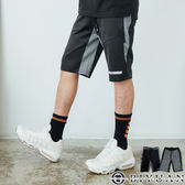 【OBIYUAN】休閒短褲 撞色 拼接 剪裁 電繡字母 運動褲 共2色【X6866】