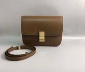 ■專櫃81折■Celine 全新真品189173 中款 頂級小牛皮CLASSIC BOX 手袋 淡駝棕色