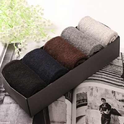 長襪禮盒(5雙裝)-純色百搭冬季加厚保暖羊毛男士襪子套組5色72s16[時尚巴黎]