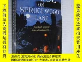 二手書博民逛書店The罕見house on Spruce wood laneY1