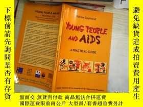 二手書博民逛書店YOUNG罕見PEOPLE AND AIDS青年人與艾滋病Y26