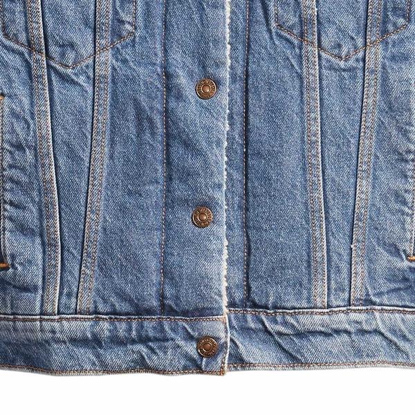 Levis 女款 牛仔外套 / Boyfirend寬鬆版型 / 中藍水洗 / Sherpa棉花絨