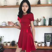 洋裝 韓國chic風復古小心機性感鏤空顯瘦繫帶小黑裙夏季修身短袖連身裙【滿一元免運】
