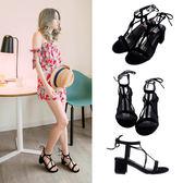 Ann'S重點層次感-T字縷空細絨綁帶粗跟涼鞋-黑