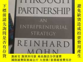 二手書博民逛書店Success罕見Through Partnership: An